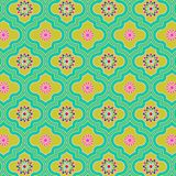Όμορφο πράσινο ζωηρόχρωμο διακοσμημένο μαροκινό άνευ ραφής σχέδιο με τα ζωηρόχρωμα floral σχέδια απεικόνιση αποθεμάτων