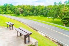 Όμορφο πράσινο πάρκο, ANG Kaew στο πανεπιστήμιο Chiang Mai σε Tha Στοκ φωτογραφία με δικαίωμα ελεύθερης χρήσης