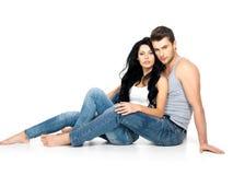 Όμορφο προκλητικό ζεύγος ερωτευμένο στοκ εικόνα με δικαίωμα ελεύθερης χρήσης