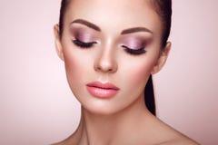Όμορφο πρόσωπο γυναικών με το τέλειο makeup Στοκ φωτογραφία με δικαίωμα ελεύθερης χρήσης