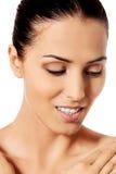 Όμορφο πρόσωπο της νέας γυναίκας με το καθαρό φρέσκο δέρμα Στοκ φωτογραφίες με δικαίωμα ελεύθερης χρήσης