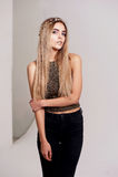 Όμορφο πρότυπο κοριτσιών στην ομορφιά πυροβολισμού στούντιο Χρυσός makeup, μακρυμάλλης, χρυσή κορυφή θερμός Στοκ Εικόνα
