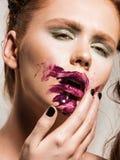 Όμορφο πρότυπο μόδας ύφους μόδας Στοκ εικόνα με δικαίωμα ελεύθερης χρήσης