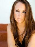 Όμορφο πρότυπο brunette με τις φακίδες. Στοκ Εικόνες