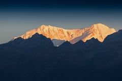 Όμορφο πρώτο φως από την ανατολή στο υποστήριγμα Kanchenjugha, Ιμαλάια, Sikkim, Ινδία Στοκ Εικόνα