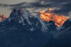 Όμορφο πρώτο φως από την ανατολή στο υποστήριγμα Kanchenjugha, Ιμαλάια, Sikkim, Ινδία Στοκ φωτογραφία με δικαίωμα ελεύθερης χρήσης