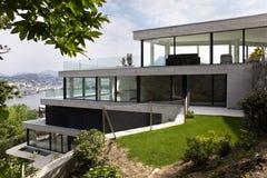 όμορφο σπίτι σύγχρονο Στοκ Εικόνες