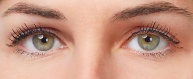 όμορφο στενό πρόσωπο ματιών - επάνω γυναίκα στοκ φωτογραφίες