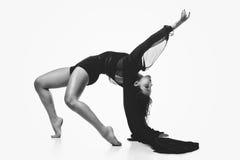 Όμορφο σύγχρονο κορίτσι χορευτών στοκ φωτογραφία με δικαίωμα ελεύθερης χρήσης