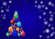 Όμορφο σύγχρονο χριστουγεννιάτικο δέντρο με τις ζωηρόχρωμες σφαίρες σε ένα μπλε υπόβαθρο Αντίγραφο-διάστημα διανυσματική απεικόνιση