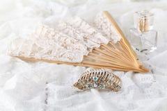 Όμορφο σύνολο γαμήλιων εξαρτημάτων γυναικών ` s Πρωί νυφών ` s Στοκ Εικόνα