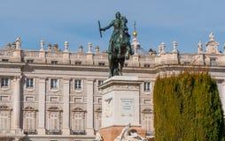 Όμορφο τετράγωνο στη Μαδρίτη - Plaza de Oriente στη Royal Palace Στοκ Φωτογραφίες