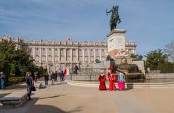 Όμορφο τετράγωνο στη Μαδρίτη - Plaza de Oriente στη Royal Palace Στοκ φωτογραφία με δικαίωμα ελεύθερης χρήσης