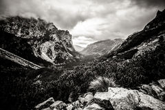 Όμορφο τοπίο βουνών Tatry σε γραπτό Στοκ φωτογραφία με δικαίωμα ελεύθερης χρήσης