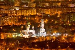 Όμορφο τοπίο βραδιού της ρωσικής μεσολάβησης εκκλησιών ιερής Στοκ Φωτογραφία