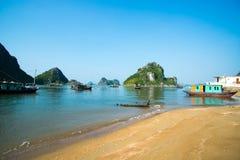Όμορφο τοπίο θάλασσας στο μακρύ κόλπο εκταρίου, Βιετνάμ Στοκ Φωτογραφίες