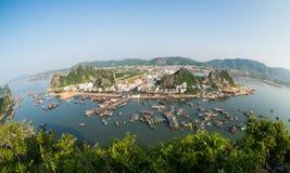 Όμορφο τοπίο θάλασσας στο μακρύ κόλπο εκταρίου, Βιετνάμ Στοκ φωτογραφία με δικαίωμα ελεύθερης χρήσης