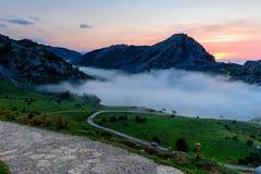 Όμορφο τοπίο με τα βουνά Στοκ Φωτογραφίες