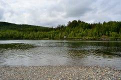 Όμορφο τοπίο ποταμών σολομών Στοκ φωτογραφίες με δικαίωμα ελεύθερης χρήσης