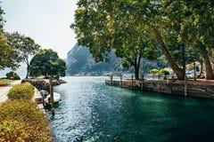 Όμορφο τοπίο της λίμνης Garda, Ιταλία Στοκ Εικόνα