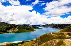 Όμορφο τοπίο του Θιβέτ σε Κίνα-YamdrokTso Στοκ Εικόνα