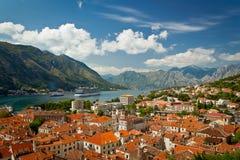 Όμορφο τοπίο του κόλπου Kotor, Μαυροβούνιο, αδριατική θάλασσα Στοκ Φωτογραφίες