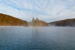 Όμορφο τοπίο του Plitvice στη λίμνη, πρωί Στοκ Εικόνες