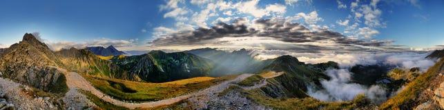 Όμορφο τοπίο των βουνών και Swinica Tatra Στοκ εικόνα με δικαίωμα ελεύθερης χρήσης