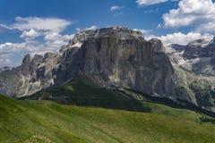 Όμορφο τοπίο των μεγάλων αιχμών βουνών δολομίτες Ιταλία Στοκ Εικόνες