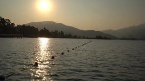 Όμορφο τουρκικό ηλιοβασίλεμα στο βίντεο ποταμών φιλμ μικρού μήκους