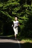 όμορφο τρέξιμο κοριτσιών Στοκ Εικόνα