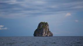 Όμορφο τροπικό βουνό στοκ φωτογραφία με δικαίωμα ελεύθερης χρήσης