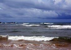 Όμορφο υπόβαθρο της τροπικής ωκεάνιας παραλίας Στοκ φωτογραφία με δικαίωμα ελεύθερης χρήσης