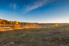 Όμορφο φθινοπωρινό τοπίο ηλιοβασιλέματος Στοκ εικόνες με δικαίωμα ελεύθερης χρήσης