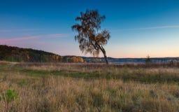 Όμορφο φθινοπωρινό τοπίο ηλιοβασιλέματος Στοκ Φωτογραφία