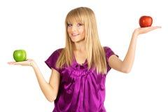 όμορφο φρέσκο κορίτσι μήλω Στοκ εικόνα με δικαίωμα ελεύθερης χρήσης
