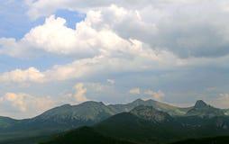Όμορφο φυσικό τοπίο βουνών Στοκ Φωτογραφία