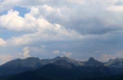 Όμορφο φυσικό τοπίο βουνών Στοκ Εικόνες