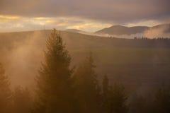 Όμορφο φως στα βουνά Στοκ Εικόνες
