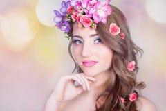 Όμορφο χαμογελώντας κορίτσι Στοκ Φωτογραφίες