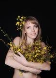 Όμορφο χαμογελώντας κορίτσι Στοκ εικόνα με δικαίωμα ελεύθερης χρήσης