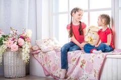 Όμορφο χαμόγελο μικρών κοριτσιών Στοκ Εικόνες