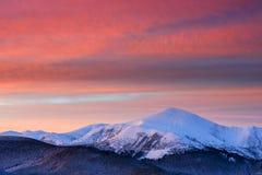 Όμορφο χειμερινό τοπίο στα Καρπάθια βουνά Στοκ Εικόνες