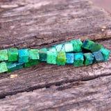 Όμορφο χειροποίητο περιδέραιο malachite της πέτρας Στοκ Εικόνες