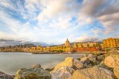 Όμορφο χωριό στη θάλασσα, ιταλική ακτή, Γένοβα Pegli, Ιταλία Στοκ φωτογραφία με δικαίωμα ελεύθερης χρήσης