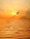 όμορφο ύδωρ ηλιοβασιλέματος Στοκ Εικόνες