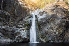 όμορφο ύδωρ πτώσης Στοκ Εικόνες