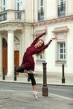 Όμορφο ballerina στην οδό Στοκ Εικόνες