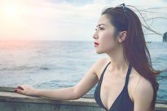 όμορφο bikini κορίτσι Εκλεκτής ποιότητας τόνος Στοκ εικόνες με δικαίωμα ελεύθερης χρήσης
