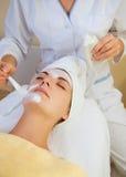 όμορφο girl salon spa Στοκ φωτογραφίες με δικαίωμα ελεύθερης χρήσης